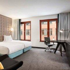 Отель Hilton Stockholm Slussen Швеция, Стокгольм - 9 отзывов об отеле, цены и фото номеров - забронировать отель Hilton Stockholm Slussen онлайн комната для гостей фото 5