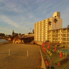 Отель Dream Inn Santa Cruz спортивное сооружение