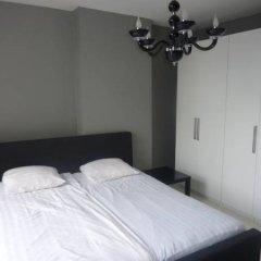 Отель Museum District Guest Suite Amsterdam Center сейф в номере