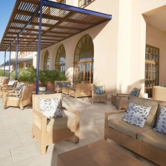 Отель Le Meridien Ra Beach Hotel & Spa Испания, Эль Вендрель - 3 отзыва об отеле, цены и фото номеров - забронировать отель Le Meridien Ra Beach Hotel & Spa онлайн вид на фасад