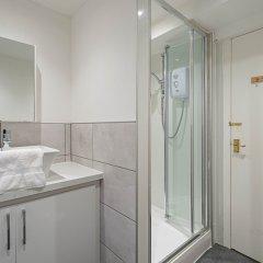 Апартаменты Royal Mile 5 BR Apartment nr Castle Эдинбург ванная