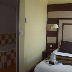 Отель Best Western Hotel de Paris Франция, Лаваль - отзывы, цены и фото номеров - забронировать отель Best Western Hotel de Paris онлайн комната для гостей фото 5