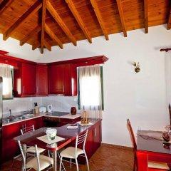 Отель Aselinos Suites в номере фото 2
