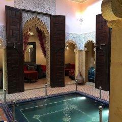 Отель Riad La Porte Du Bouregreg бассейн фото 2