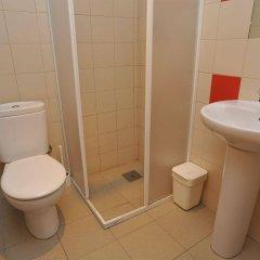 Hans Brinker Hostel Lisbon ванная