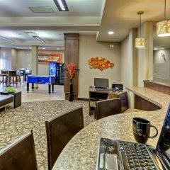 Отель Acclaim Hotel Calgary Airport Канада, Калгари - отзывы, цены и фото номеров - забронировать отель Acclaim Hotel Calgary Airport онлайн интерьер отеля фото 3