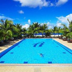Отель Hulhule Island Hotel Мальдивы, Мале - отзывы, цены и фото номеров - забронировать отель Hulhule Island Hotel онлайн бассейн фото 2