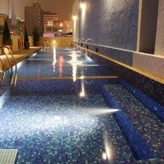 Hotel Royal @ Queens бассейн