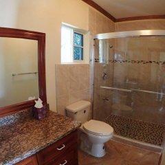 Отель Summerhill, 8BR by Jamaican Treasures Ямайка, Монтего-Бей - отзывы, цены и фото номеров - забронировать отель Summerhill, 8BR by Jamaican Treasures онлайн ванная