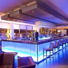 Отель Crowne Plaza London - Docklands Великобритания, Лондон - отзывы, цены и фото номеров - забронировать отель Crowne Plaza London - Docklands онлайн гостиничный бар