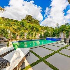Отель Villa Giselle США, Лос-Анджелес - отзывы, цены и фото номеров - забронировать отель Villa Giselle онлайн бассейн