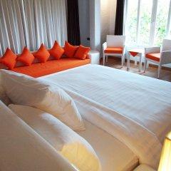 Отель The Chalet Phuket Resort Таиланд, Пхукет - отзывы, цены и фото номеров - забронировать отель The Chalet Phuket Resort онлайн комната для гостей фото 2