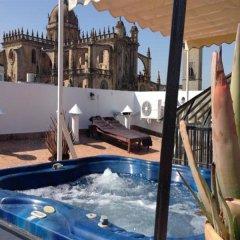 Отель Jeys Catedral Jerez Испания, Херес-де-ла-Фронтера - отзывы, цены и фото номеров - забронировать отель Jeys Catedral Jerez онлайн бассейн