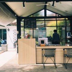 Отель The Snug Airportel Таиланд, Такуа-Тунг - отзывы, цены и фото номеров - забронировать отель The Snug Airportel онлайн интерьер отеля