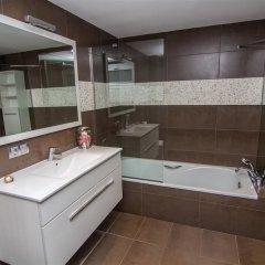 Отель Agi Joan Margarit Испания, Курорт Росес - отзывы, цены и фото номеров - забронировать отель Agi Joan Margarit онлайн ванная фото 2