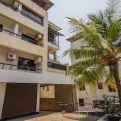 Апартаменты OYO 13014 Home Scenic View Studio Dona Paula Beach Гоа парковка