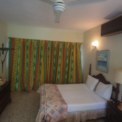 Sahara Hostel сейф в номере