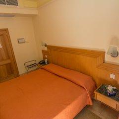Hotel San Andrea сейф в номере