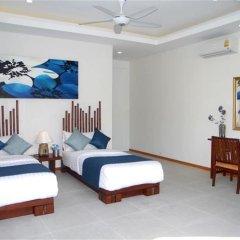 Отель Rawai Superb Ka Villa 4 bedrooms комната для гостей