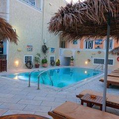 Отель Sellada Apartments Греция, Остров Санторини - отзывы, цены и фото номеров - забронировать отель Sellada Apartments онлайн бассейн фото 3