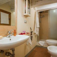 Отель Florentapartments - Santo Spirito Флоренция ванная фото 2