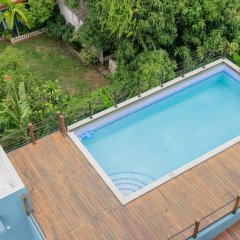 Отель Brompton 50 by Pro Homes Jamaica бассейн