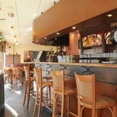 Hotel Tropicana гостиничный бар