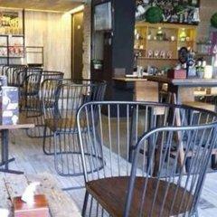 Отель Phuket Sunny Hostel Таиланд, Пхукет - отзывы, цены и фото номеров - забронировать отель Phuket Sunny Hostel онлайн гостиничный бар