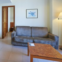 Отель Hesperia Sant Joan Suites комната для гостей фото 3