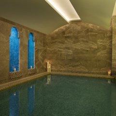 Отель Hilton Capital Grand Abu Dhabi бассейн фото 3