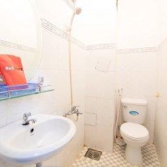 Отель RedDoorz near Tan Son Nhat Airport 3 ванная