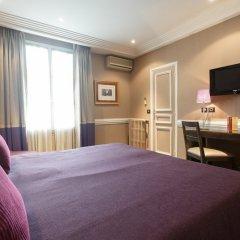 Отель Elysées Hôtel сейф в номере