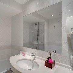 Отель Hôtel Caumartin Opéra - Astotel Франция, Париж - 1 отзыв об отеле, цены и фото номеров - забронировать отель Hôtel Caumartin Opéra - Astotel онлайн ванная фото 2