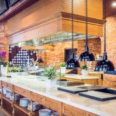 Отель Mercure Danang French Village Bana Hills Вьетнам, Дананг - отзывы, цены и фото номеров - забронировать отель Mercure Danang French Village Bana Hills онлайн гостиничный бар