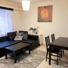Апартаменты Renovated Apartment In Antwerp Антверпен комната для гостей фото 5