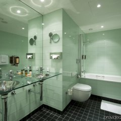 Отель Ramada Encore Geneva Швейцария, Ланси - 1 отзыв об отеле, цены и фото номеров - забронировать отель Ramada Encore Geneva онлайн ванная