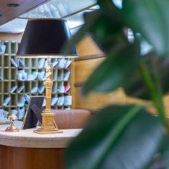 Отель Rent In Rome - Appartamento Archimede гостиничный бар