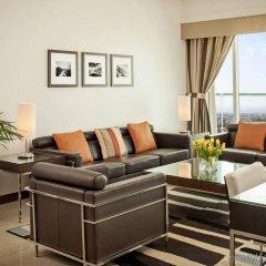 Отель Four Points by Sheraton Sheikh Zayed Road, Dubai комната для гостей фото 4