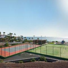 Отель Iberostar Playa Gaviotas Park - All Inclusive Испания, Джандия-Бич - отзывы, цены и фото номеров - забронировать отель Iberostar Playa Gaviotas Park - All Inclusive онлайн спортивное сооружение