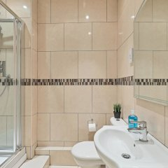 Отель Grand Seaview Apartment Великобритания, Хов - отзывы, цены и фото номеров - забронировать отель Grand Seaview Apartment онлайн ванная