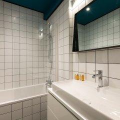 Отель Bois de Boulogne Retreat Франция, Париж - отзывы, цены и фото номеров - забронировать отель Bois de Boulogne Retreat онлайн ванная