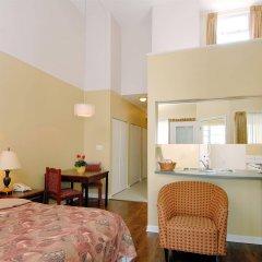 Отель Robson Suites Канада, Ванкувер - отзывы, цены и фото номеров - забронировать отель Robson Suites онлайн комната для гостей фото 3