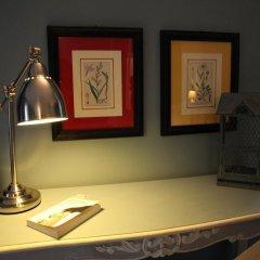 Отель Ettore Manni B&B сейф в номере