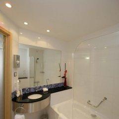 Отель Holiday Inn Express Barcelona City 22@ ванная фото 2