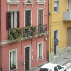 Отель Lewisrooms Affittacamere Италия, Кальяри - отзывы, цены и фото номеров - забронировать отель Lewisrooms Affittacamere онлайн парковка