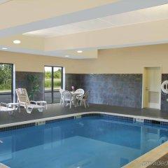 Отель Comfort Suites Cicero бассейн фото 2