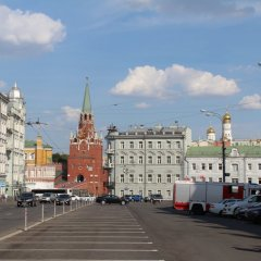 Red Kremlin Hostel парковка