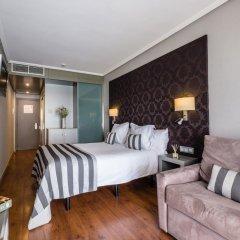 Отель Regente Aragón сейф в номере