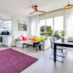 Carmel Boutique Apartment Израиль, Хайфа - отзывы, цены и фото номеров - забронировать отель Carmel Boutique Apartment онлайн комната для гостей фото 4