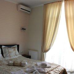 Гостиница Коляда сейф в номере